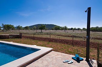 Finca S'Estador: Thermodusche am Pool