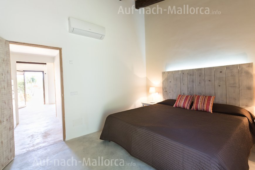 ferienwohnung son reial finca can pere rei auf nach. Black Bedroom Furniture Sets. Home Design Ideas