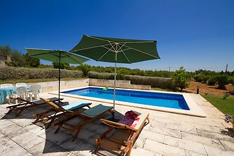 Finca Son Vives: Pool der Finca
