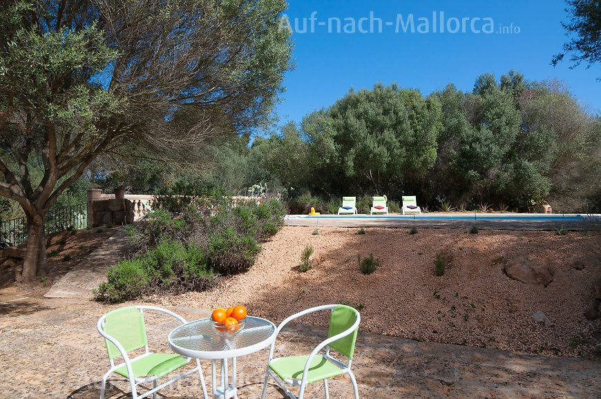 Finca Son Sureda: Picknick am Pool